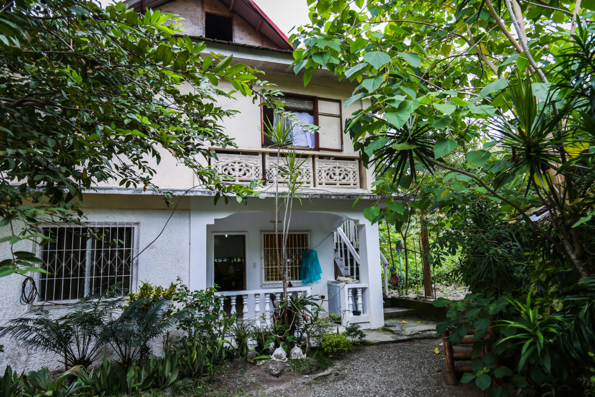 Boracay Accommodation Home stay with English teacher
