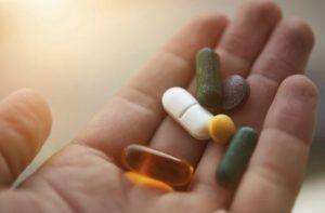 Английский за границей. Возьмите необходимые лекарства.