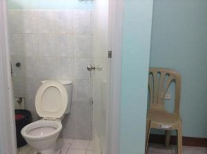 Puraran Accommodation bathroom
