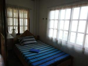 Puraran Accommodation twin room