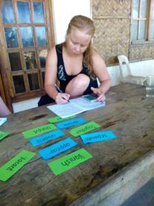 Puraran study English on the beach