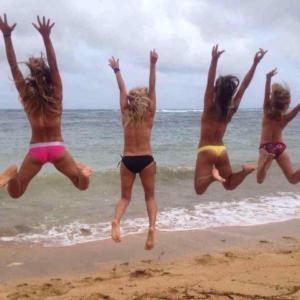 Puraran topless on the beach. Fun after English class